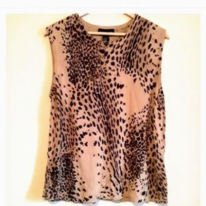 AUGUST SILK Leopard Print Sleeveless Top